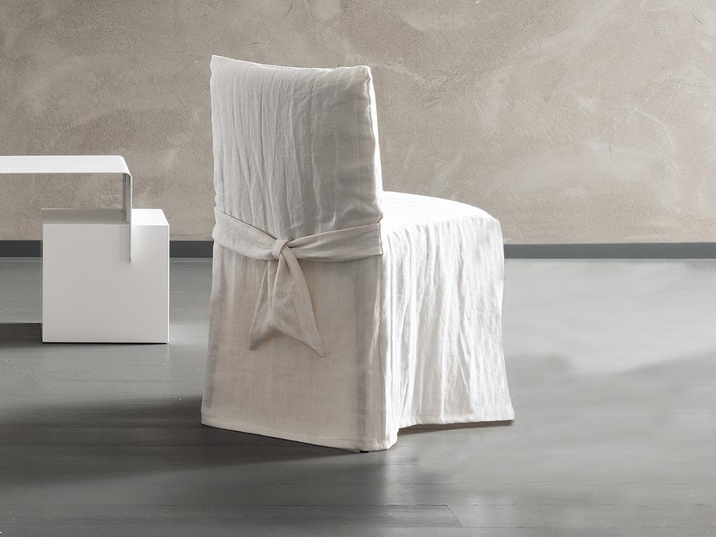 Parete soggiorno bianca - Poltroncine camera da letto moderne ...