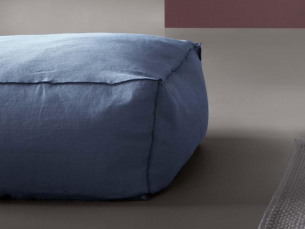 Letto imbottito sfoderabile leandro by chaarme chaarme - Pouf camera da letto ...